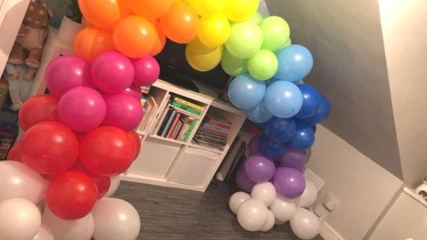 Homemade Handmade Rainbow Balloon Arch : Rainbow Balloon Arch Made at home no helium required #RainbowBalloons #BalloonArch #Balloons #RainbowDash #KidsParty #Homemade #Handmade #BalloonDecor #BalloonDecorations #Homemade #Handmade #Rainbow #balloonarch