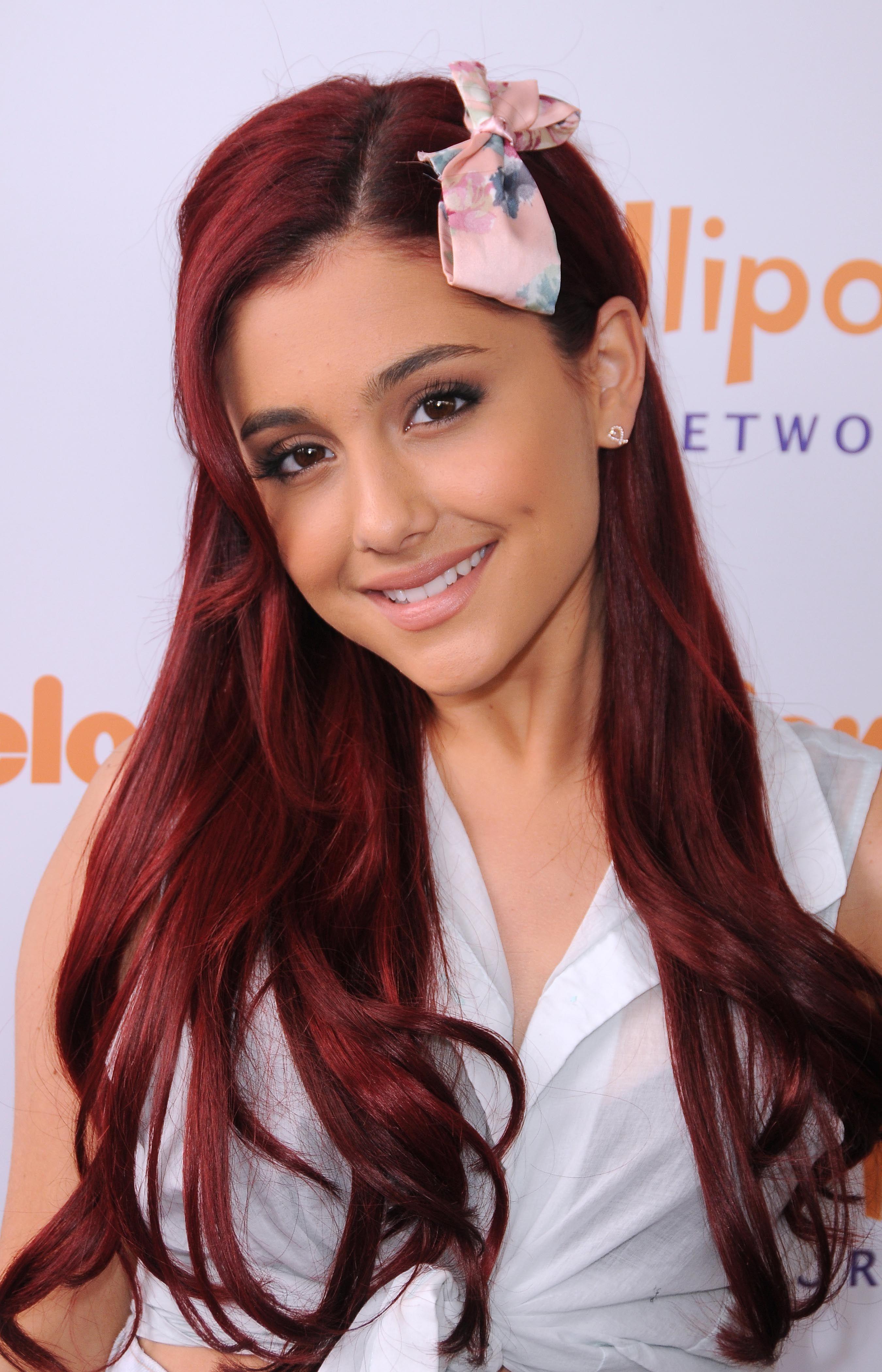 Ariana Grande Ariana Grande Lollipop Theater Networks 3rd
