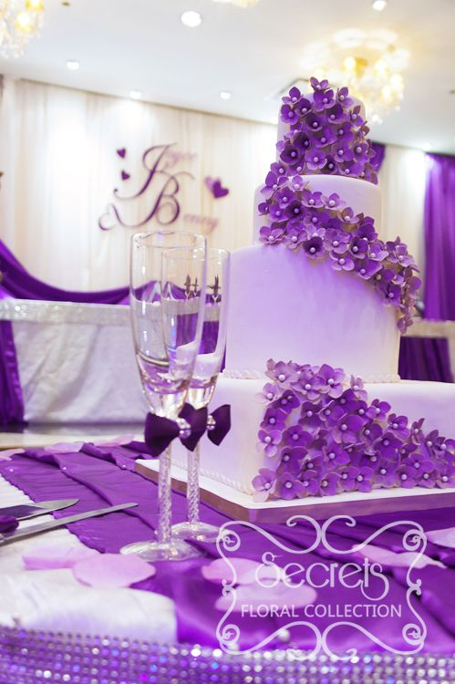 Close Up Of The Cake Table Beautiful Hydrangea Cake Surrounded With Our Purple Champagne Flutes And Cake Serving Set Silver Wedding Reception Silver Wedding Decorations Purple Wedding Theme