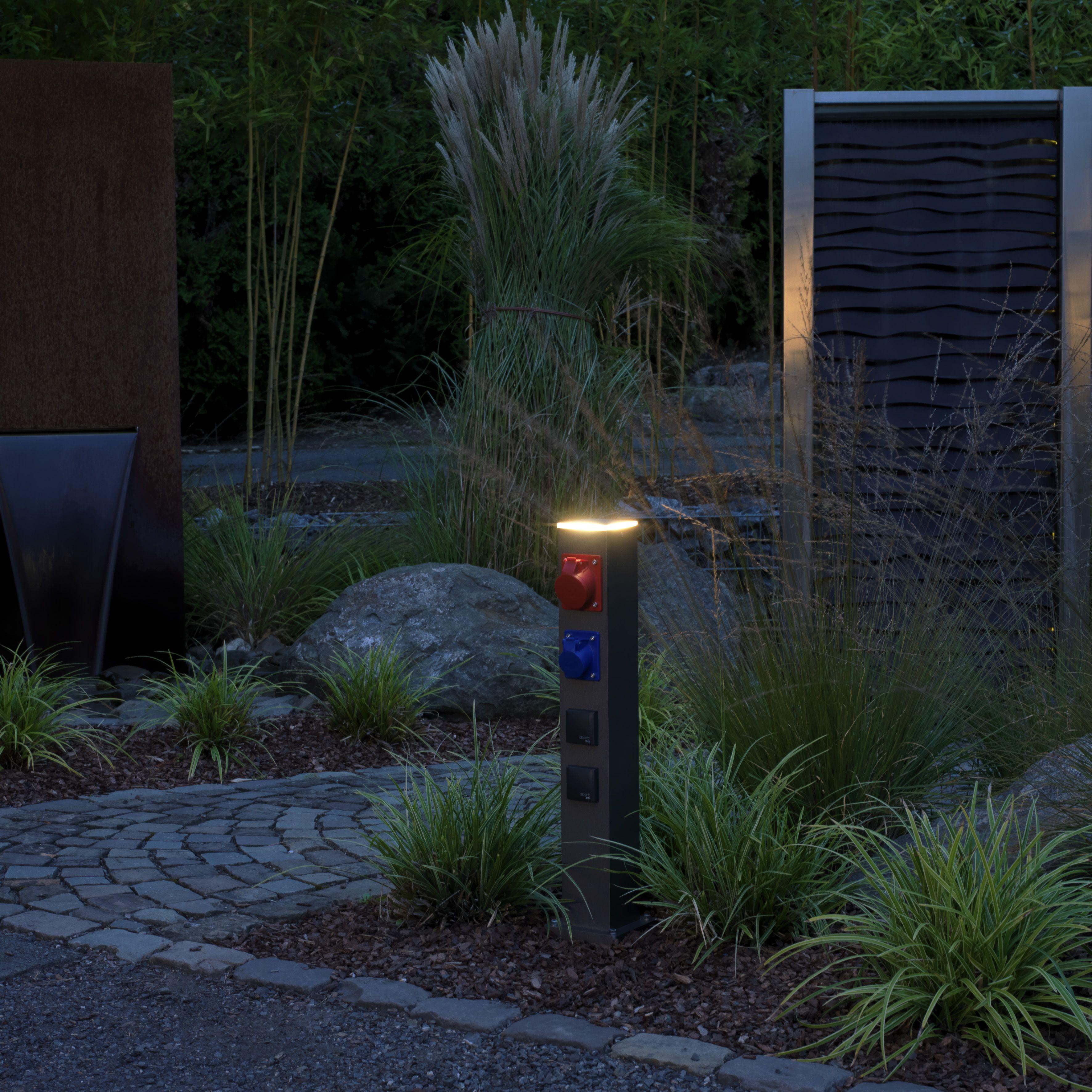 Energie Steckdosensaule Nach Wunsch Albert Leuchten Steckdosen Gartenlampen