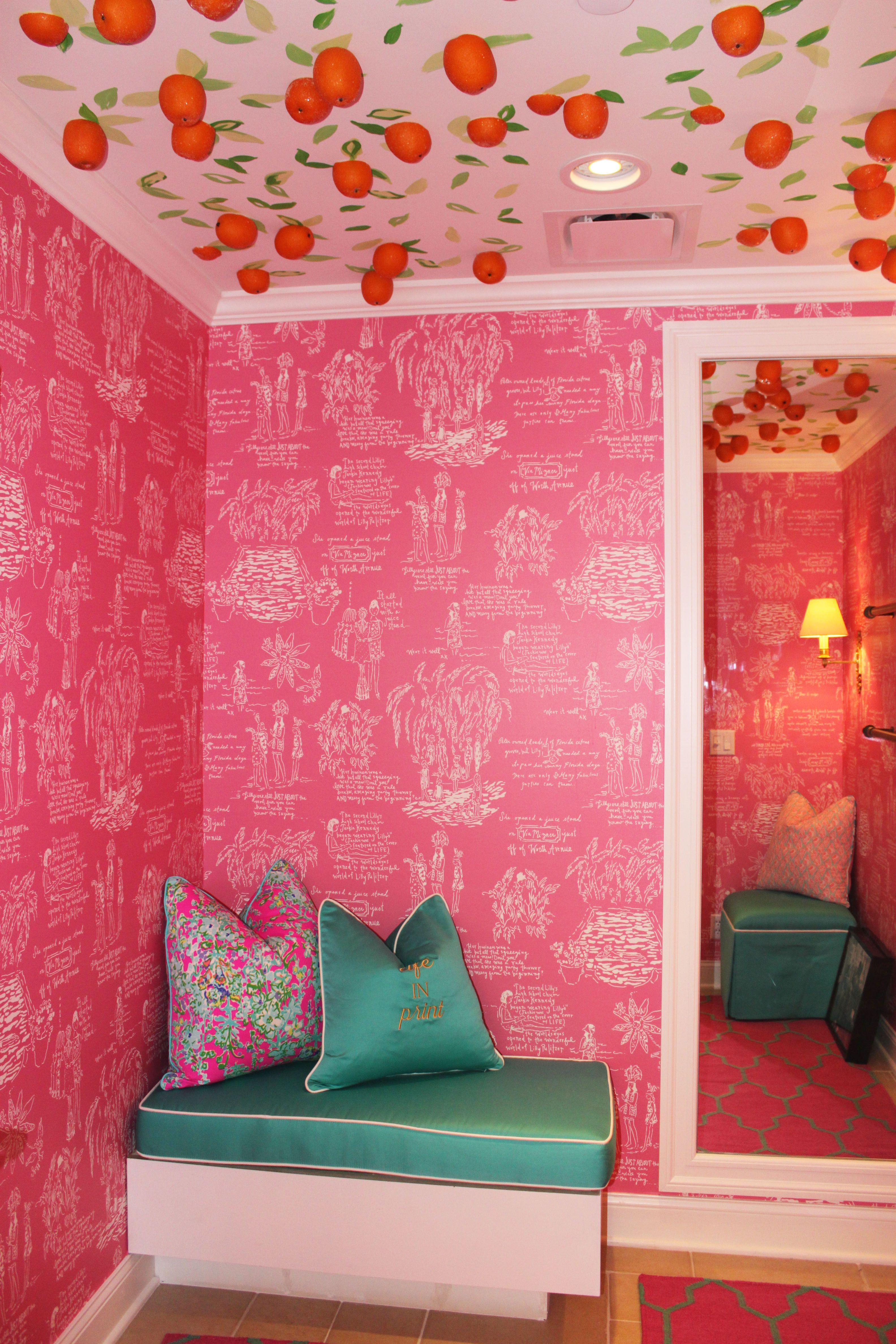 90e3858566f5d2 Dressing Room in Lilly Pulitzer Waterside in Naples | Lilly Retail ...