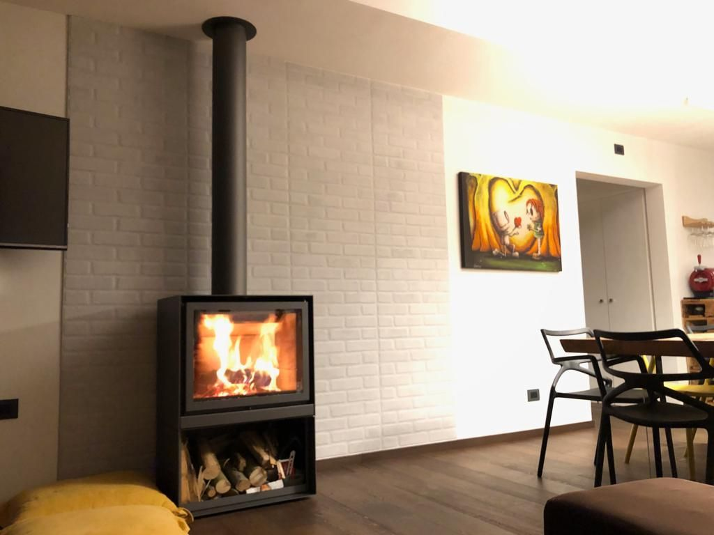 Stûv 16 68 H By Caminetti Carfagna Stuv Stûv Woodburning Woodstove Poeleabois Architecture Design Home Interiordesign Home Woo Home Wood Stove House