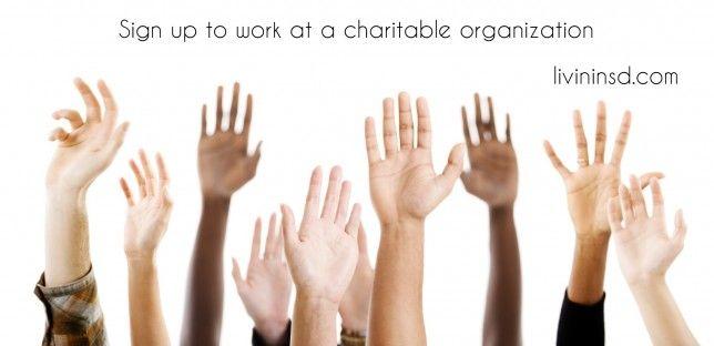 Make a difference, volunteer.   Christmas 365: Day 31 - Livin in San Diego. Livininsd.com  #payitforward #randomactsofkindness #giving