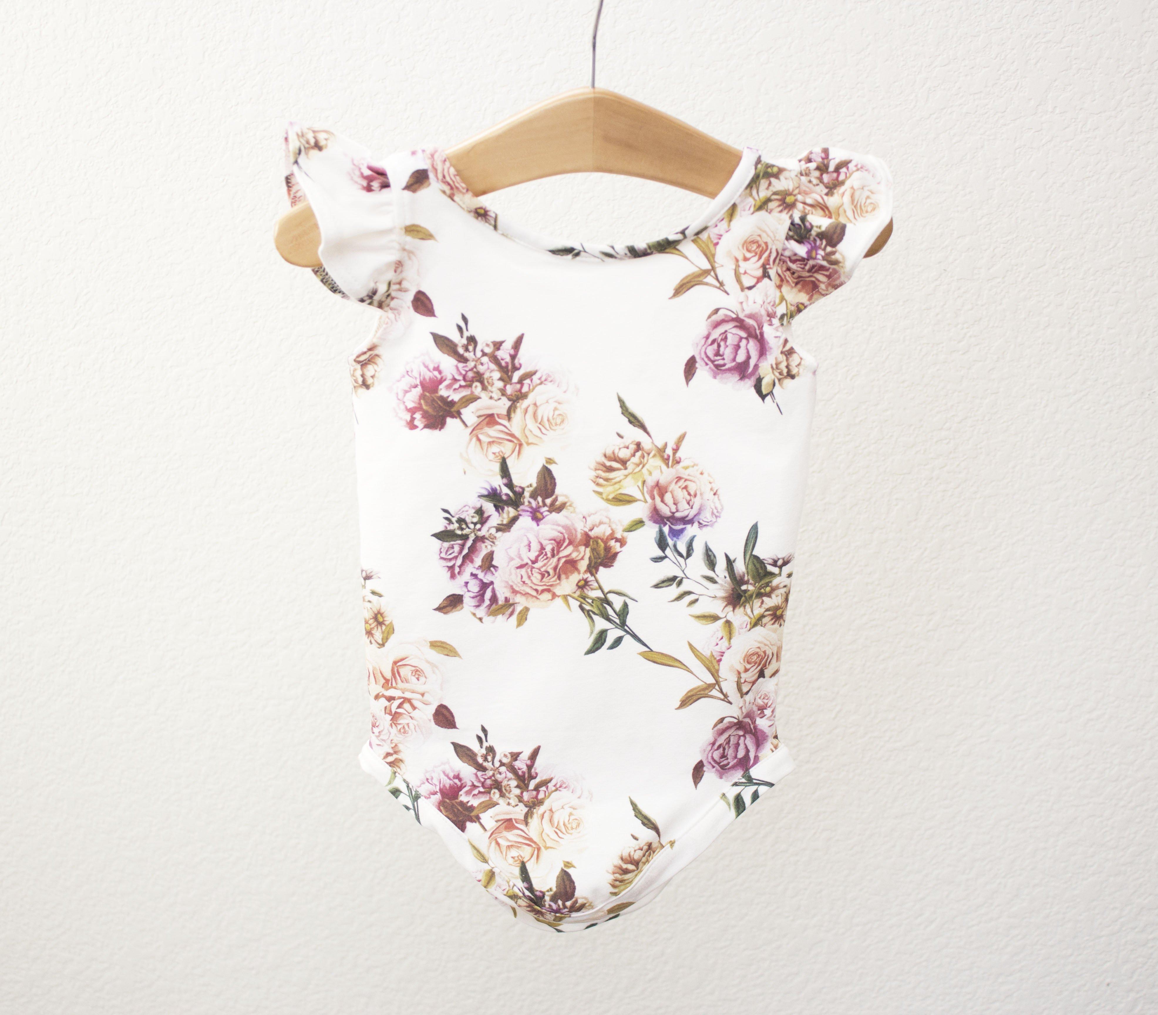 Die Prinzessin ist angekommen Neugeborenen M/ädchen Outfits Set Langarm Brief Strampler Floral Hose Stirnband Hut 4 St/ück