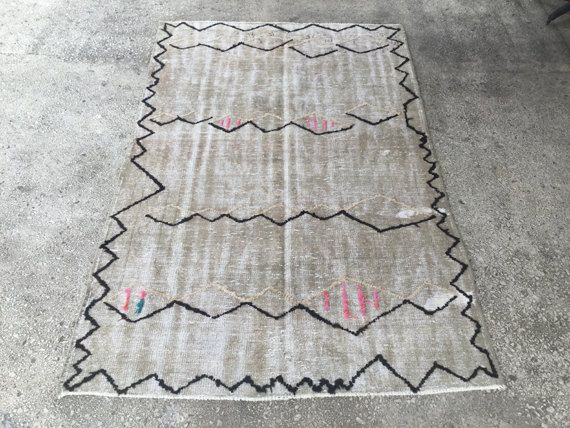 Zigzag Black Anatolian Pom Pom Vintage Fringed Turkish Rug 5 x 7'9 inc ANGORA Wool // 153 x 241 cm CARPET //AREA Rug // Hall Rug by EclecticRug on Etsy