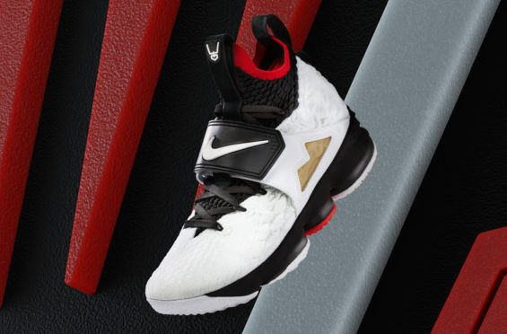 b8a142aee8b2 Diamond Turf Lands On The Nike LeBron 15