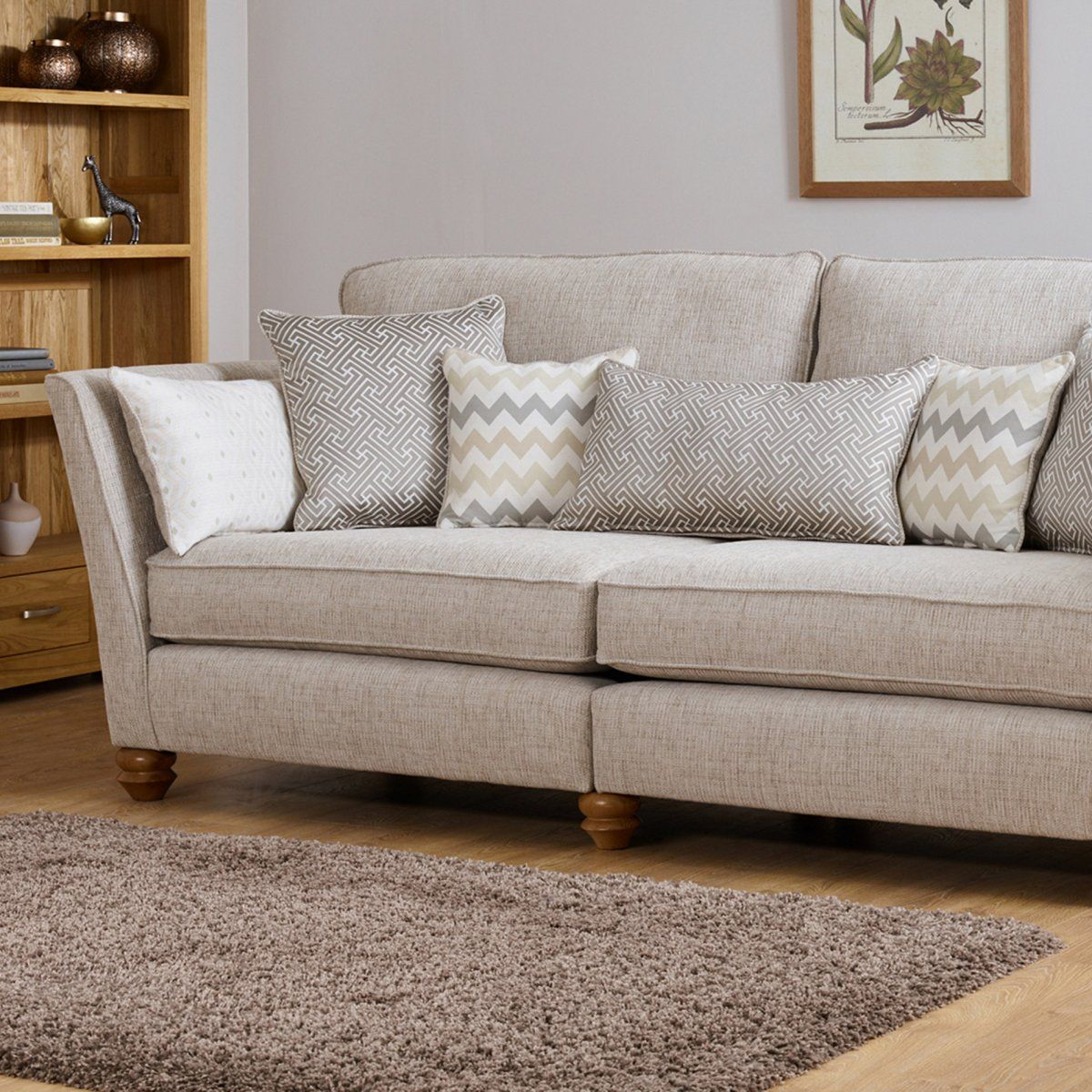 Gainsborough 4 Seater Sofa In Beige With Beige Scatters Koltuklar