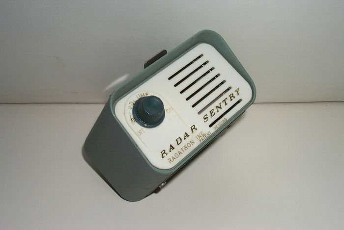 Online veilinghuis Catawiki: Radar Sentry Radar Detector - begin jaren 60