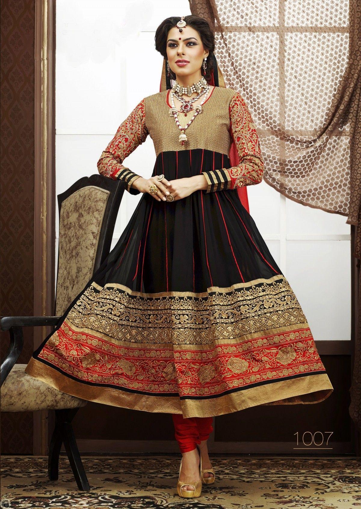 Online shop for ladies garments, including sarees