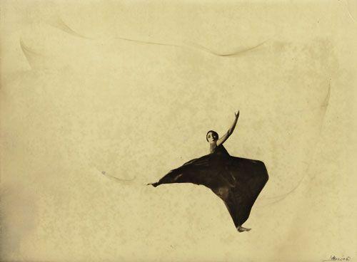 Lotte Jacobi dance lady wallpaper dress