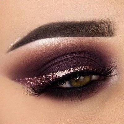 . The majority has spoken. A lot of you voted on my story for a plum/burgundy eye makeup look, I hope that you will love this one !!!! #gorgeouseyemakeup #glittereyemakeup