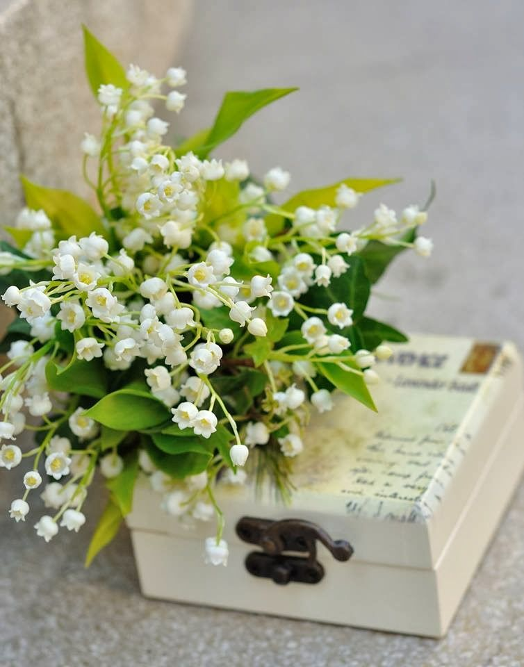 Flowers Garden Weddings Buchet Mireasa Cu Lacramioare Buchete
