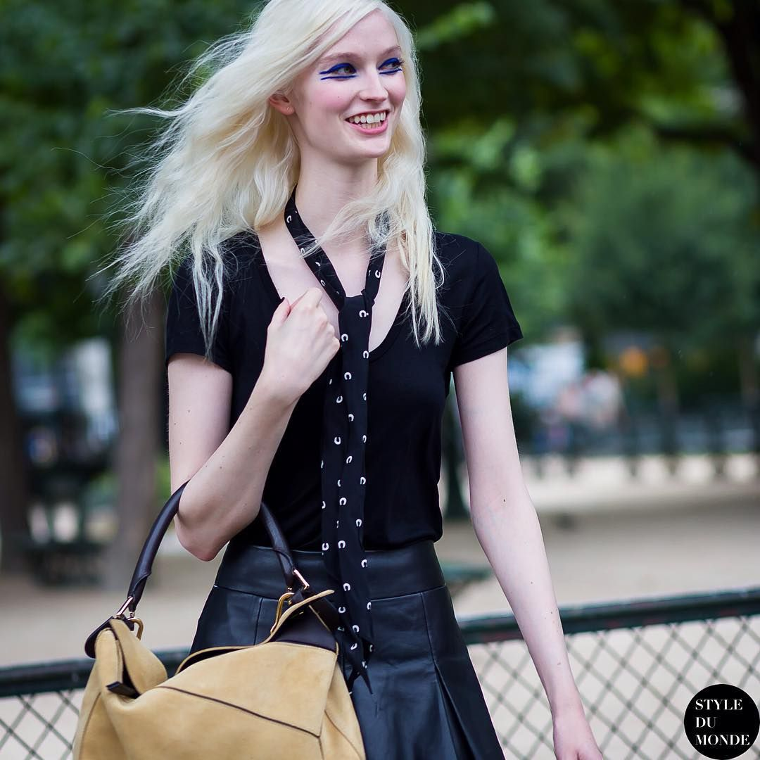 "* STYLE DU MONDE * ❤ on Instagram: ""#New on #STYLEDUMONDE http://www.styledumonde.com with @helenagreyhorse #HelenaGreyhorse at #paris #couture #fashionweek #loewe #outfit #ootd #streetstyle #streetfashion #streetchic #fashion #mode #style"""
