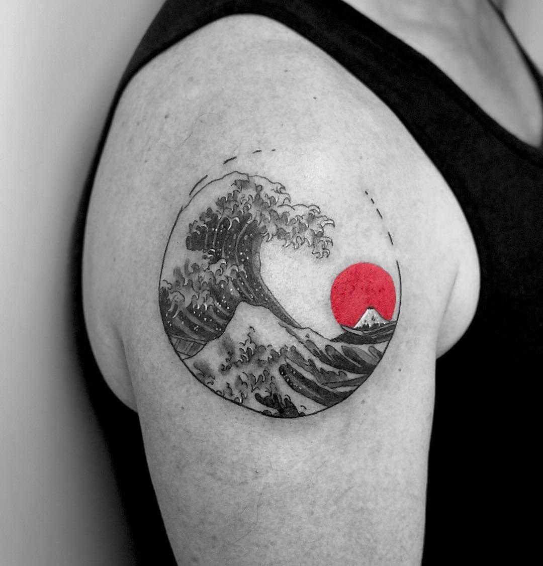 Little Tattoo Ink Inked Tattooed Wave Japanese Art Draw Drawing Dessin French Artist Red Kanagawa Fuji Sun Waves Tattoo Tattoos Trendy Tattoos