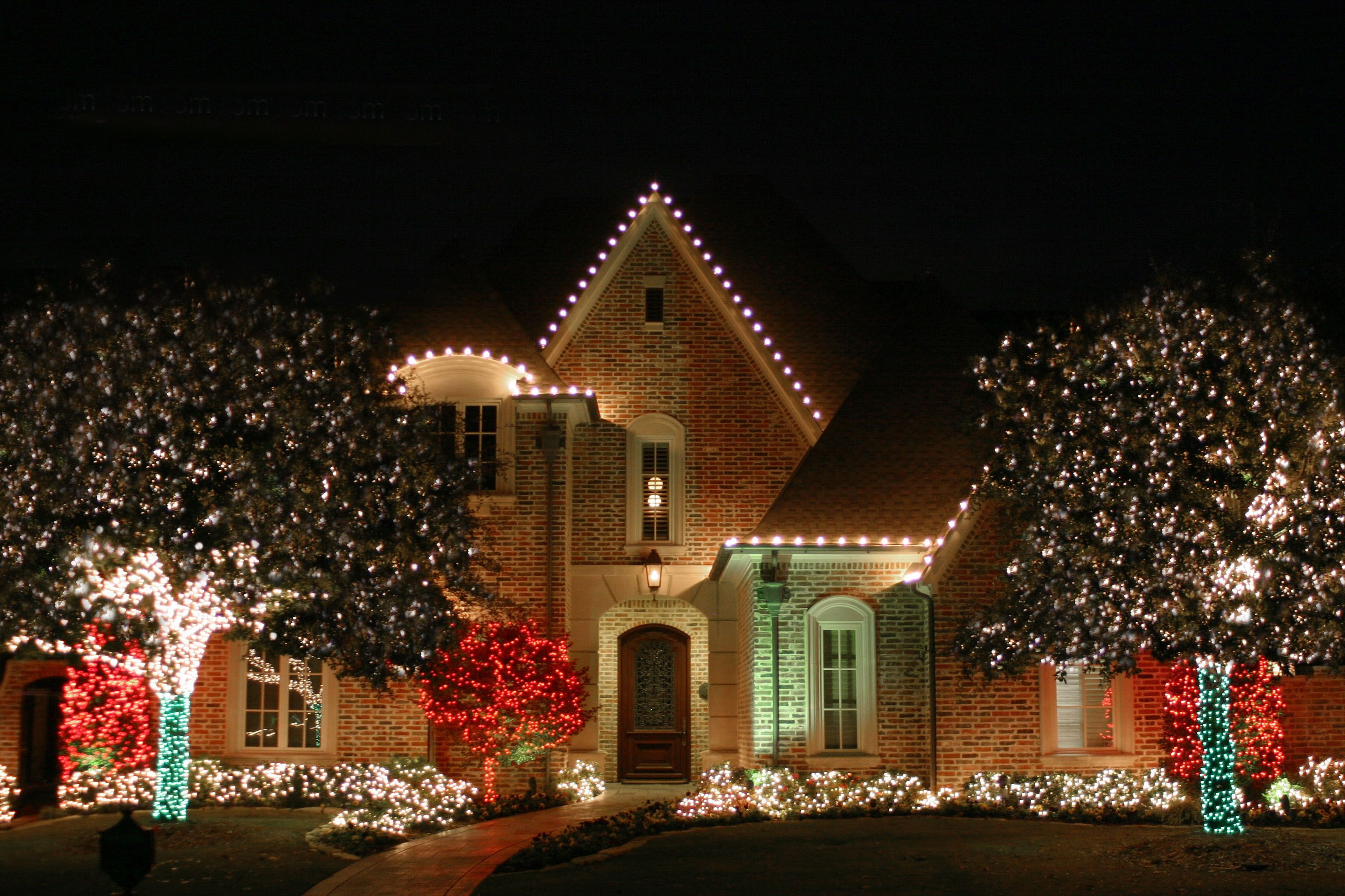 Lawn Pros Christmas Lights Installation. 3773 Cherry Creek