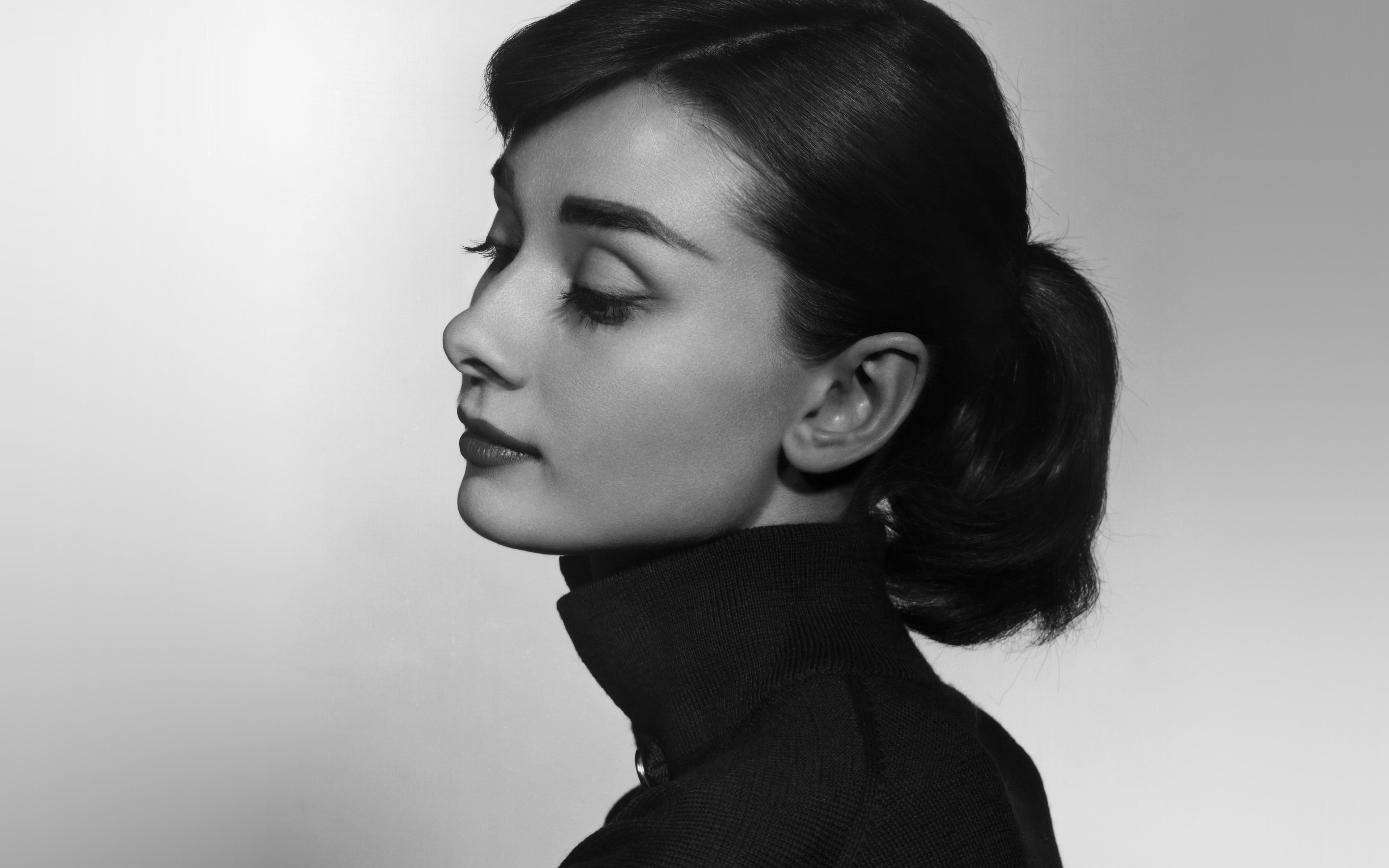 Wallpaper Audrey Hepburn Bw Film Dark Headshot Young In 2021 Beauty Photography Women Audrey Hepburn Hepburn