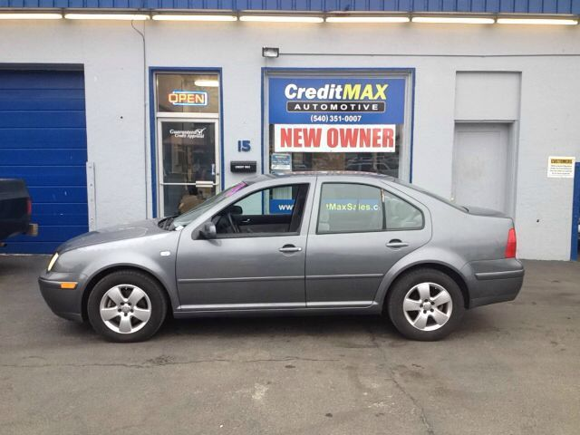 VW Jetta 2003. Call Arnie for pricing/financing or cash price details 540-351-0007. Check out the car on www.creditmaxsales.com