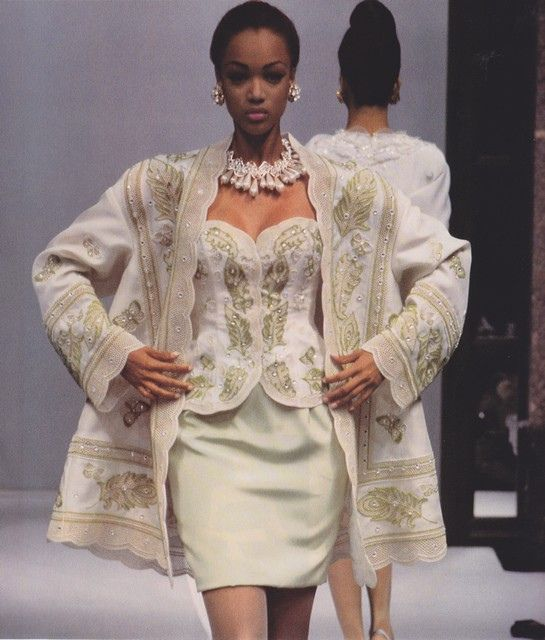Tyra Banks On The Runway: Tyra Banks @ Hanae Mori, 1992