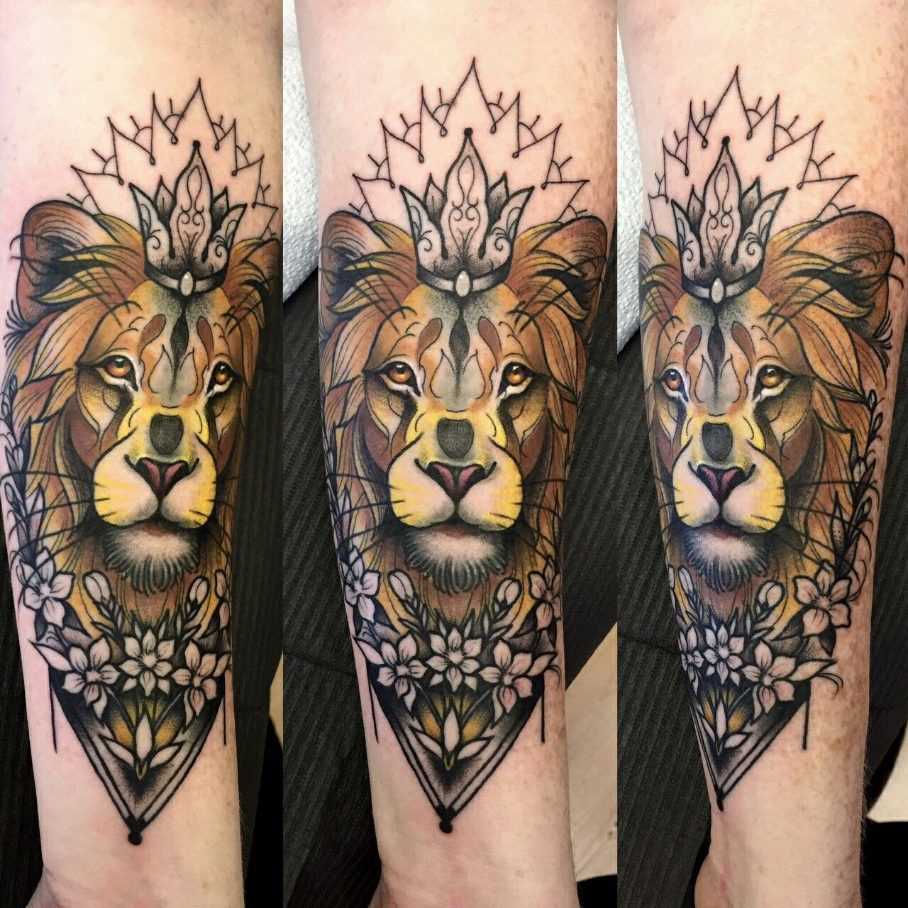 Lion Tattoo With Crown And Flowers Tattooist Jim Warf Shop Elizabeth St Tattoo Gallery Riverside Ca Completely Trendy Tattoos Tattoos Inspirational Tattoos