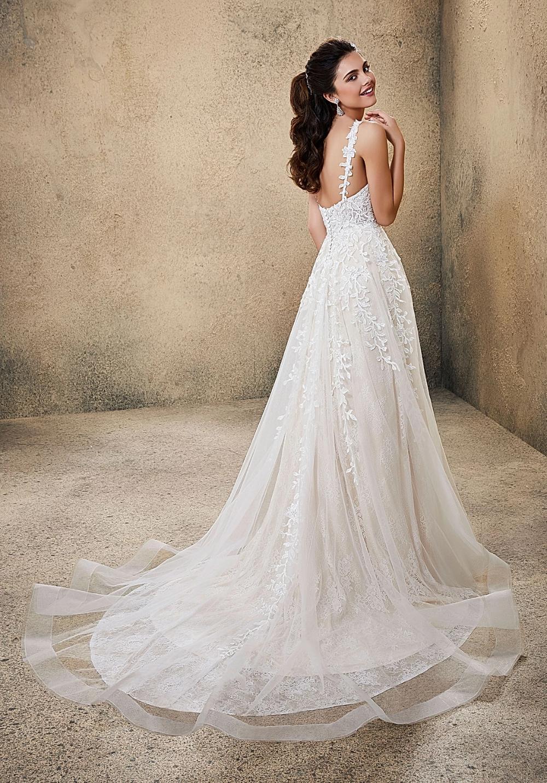 Lace Wedding Dresses In 2020 Wedding Dresses Dallas Wedding Dress Styles Bridal Wedding Dresses