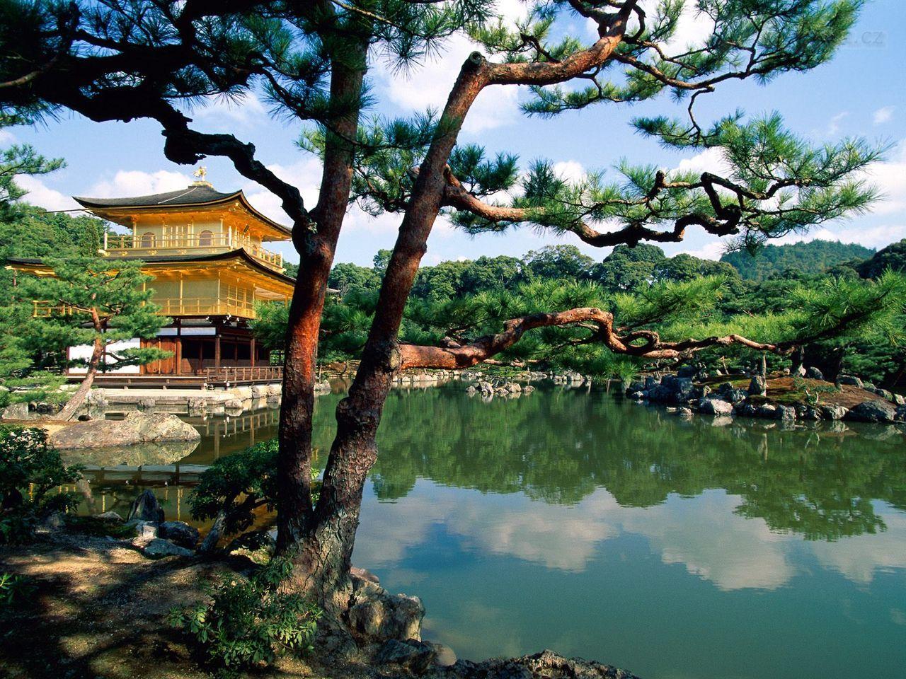 http://www.celysvet.cz/krasne-fotky/staty/80/kinkaku-ji-temple--kyoto--japan.jpg