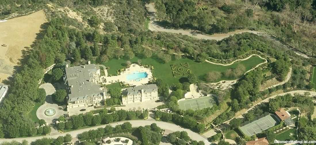 The Front Side Of Denzel Washington S House In Beverly Park Area Of