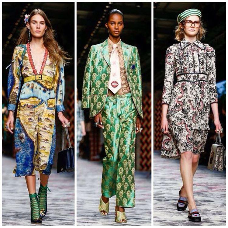 Alessandro Michele, estilista à frente da @gucci, mostrou nesse primeiro dia de Milan Fashion Week sua coleção que veio de uma fusão de ideias, com aquela pegada vintage somada a explosão de estampas e cores que são a cara de Michele.  #WTFashion #gucciss16 #alessandromichele #MFW