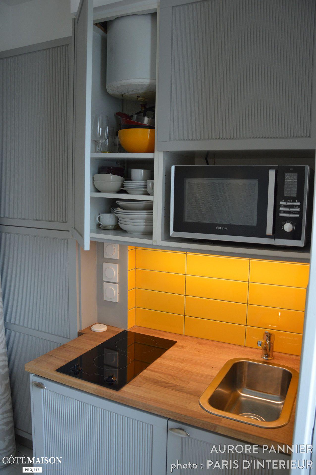 Une Chambre De Bonne Pied A Terre Parisien A Renover Et A Optimiser Pour Plus De Sensation D Espace Et Plus Chambre De Bonne Amenagement Studio Cuisine Studio