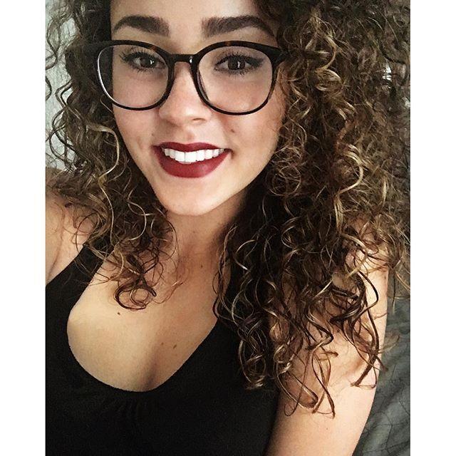 Major cutie! @beccalove71 is wearing MIRROR, MIRROR lipstick! #Suavecitalipsticks #Lipstick #Lippie #Lips #Mirrormirror #Burgundy #Darkred #Red #Makeup #Motd #Mua #Muah #Vegan #Crueltyfree #Matte #Suavecitabeauty #Beauty #Cosmetics #Getitrucca
