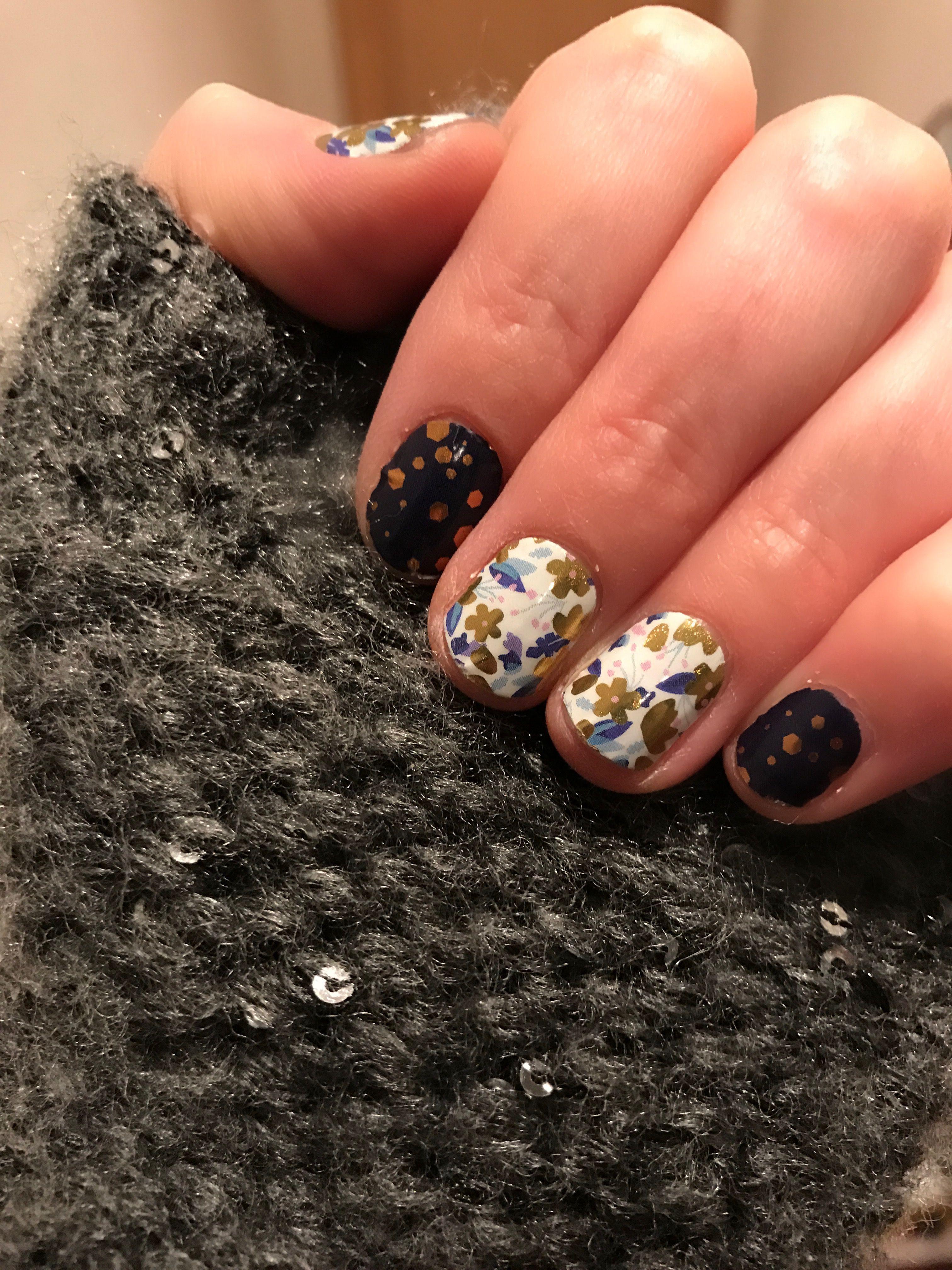 Gold Fleck on Navy with Flutterbye Bellejam.jamberry.com | Nails ...