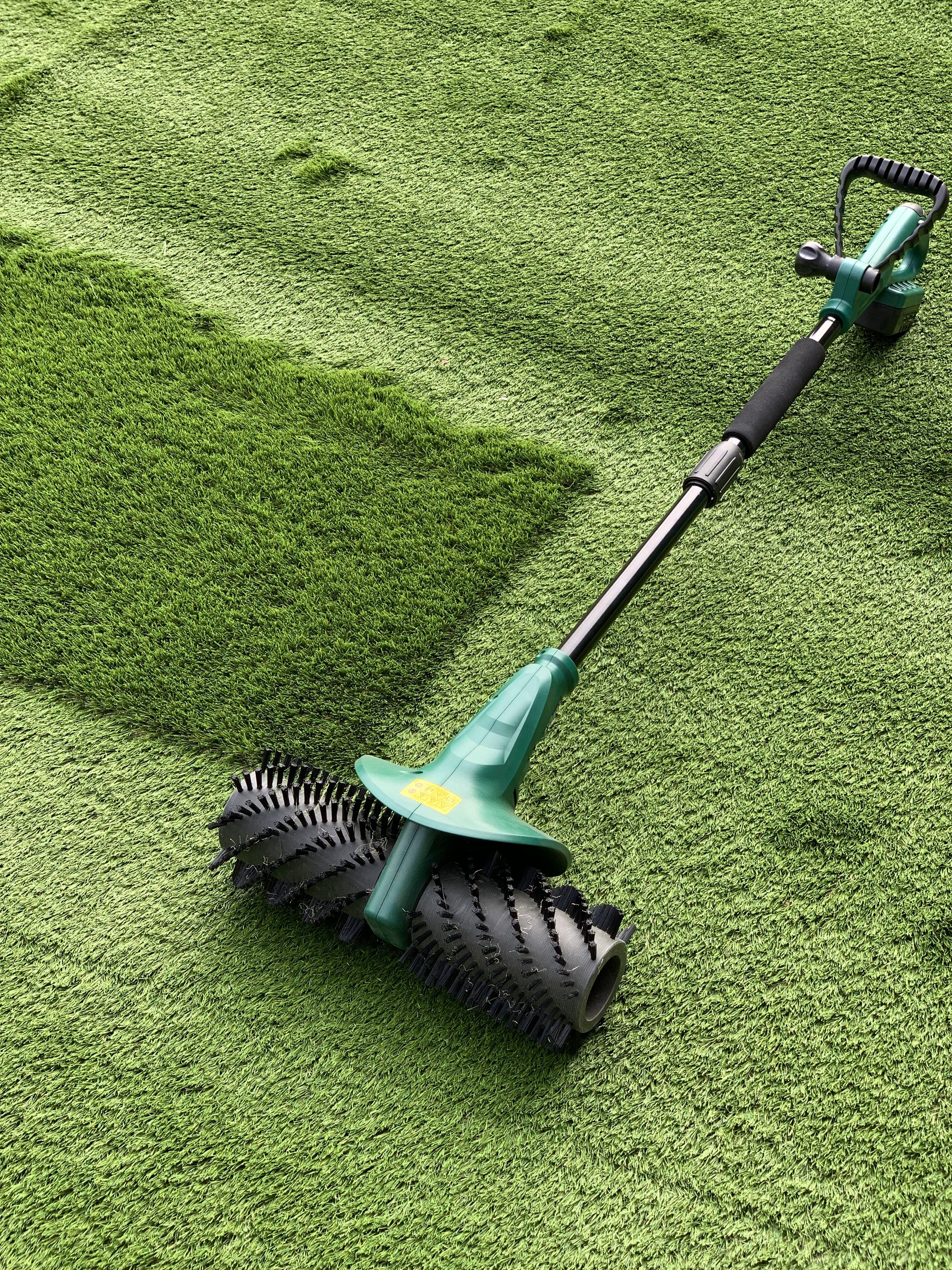 How To Clean Artificial Grass Artificial Grass Backyard Putting Green Laying Artificial Grass