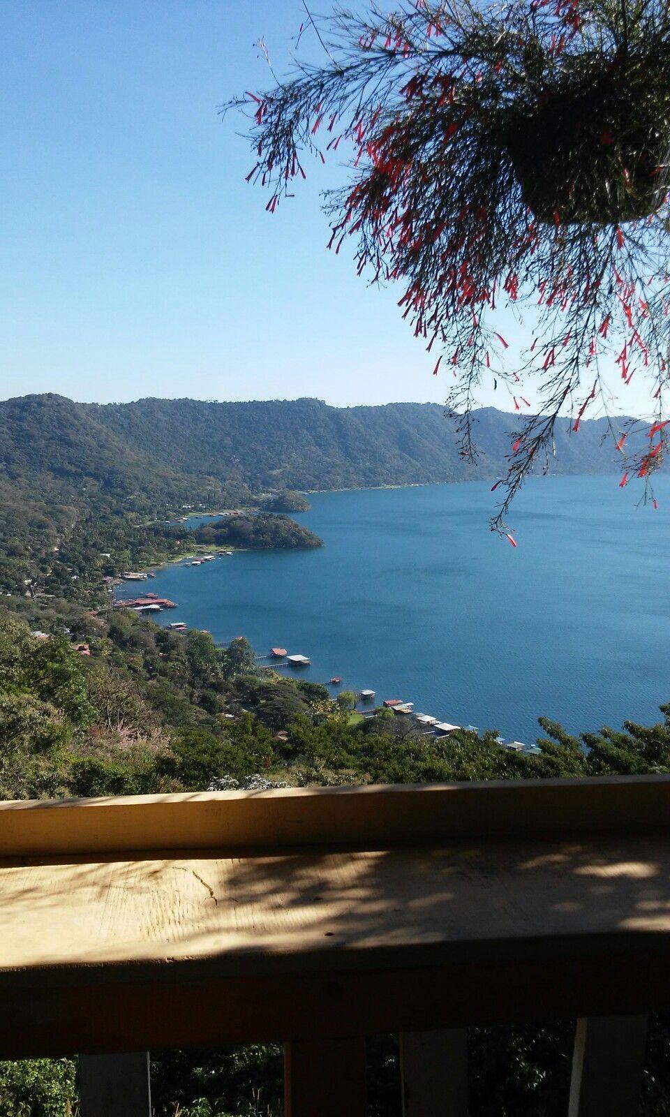 Hermoso lago de coatepeque El Salvador!