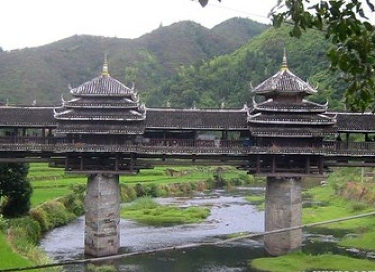 18 Bodacious Bridges - Wind and Rain Bridge in China Architecture - chinesischer garten brucke