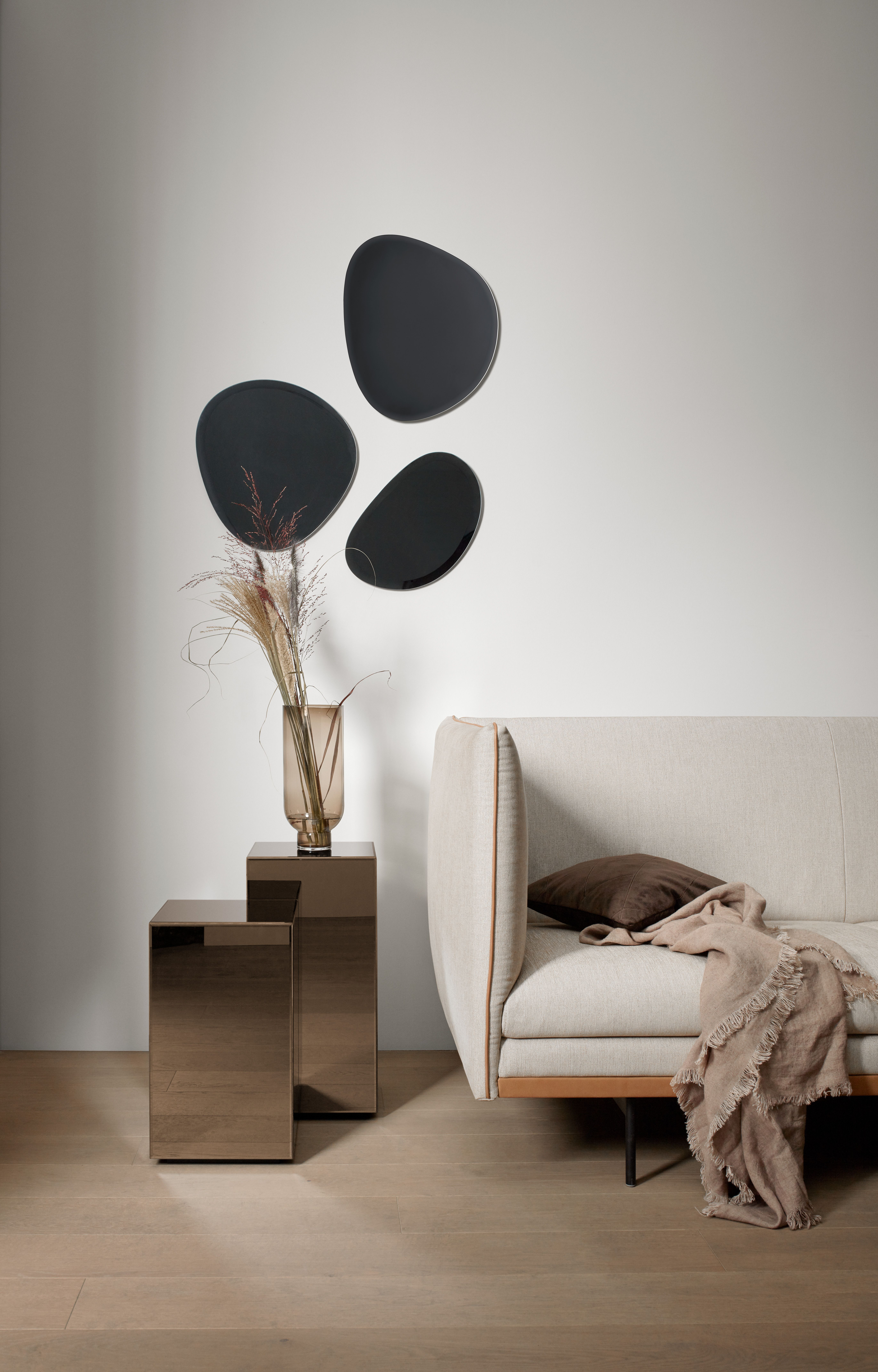 Tables D Appoint Block Vase Lucid Miroirs Turn Et Canape Nantes