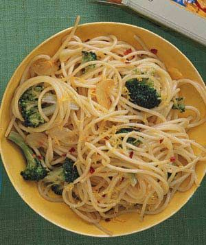 Spaghetti With Broccoli and Lemon