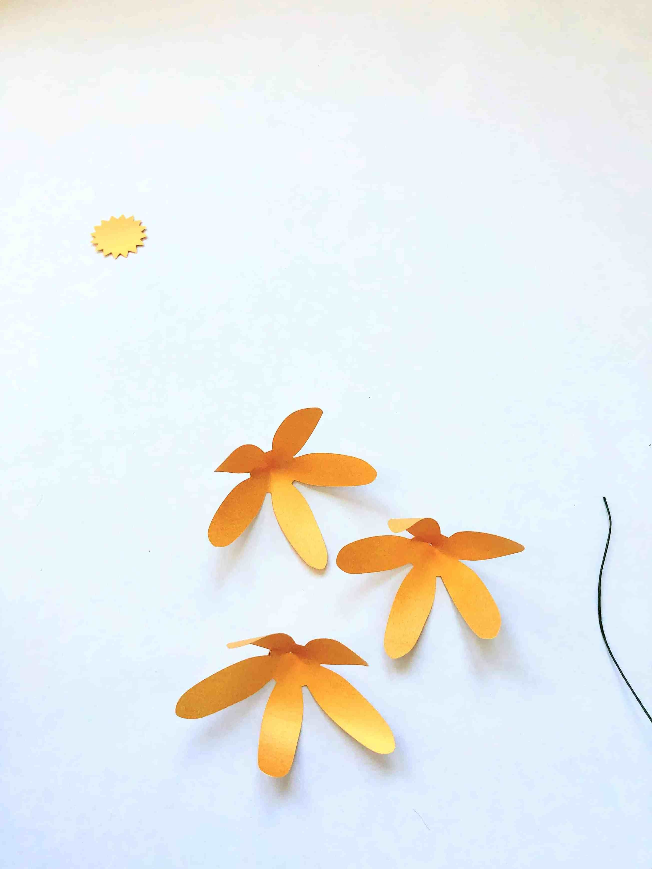 Bouquet of Paper Flowers - 7 Free Templates - DOMESTIC HEIGHTS #paperflowercenterpieces
