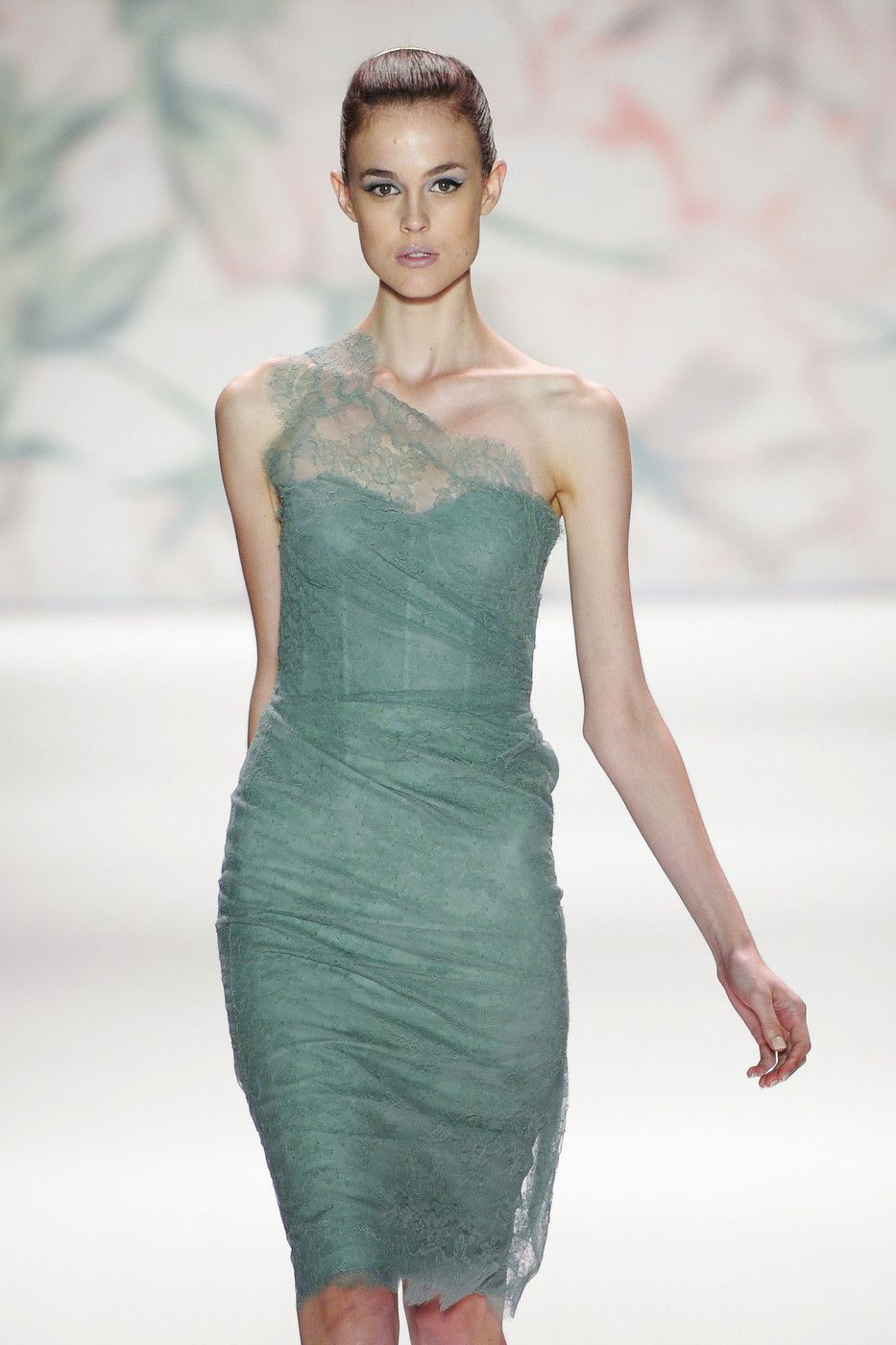 Monique Lhuillier at New York Fashion Week Spring 2011 -   15 dress Coctel monique lhuillier ideas