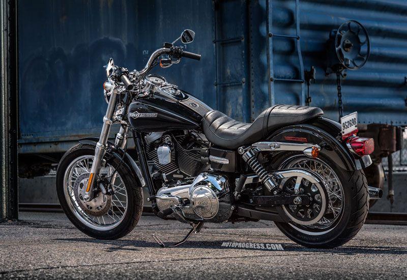 Harley Davidson : Dyna Super Glide Custom 2014   Motorcycles