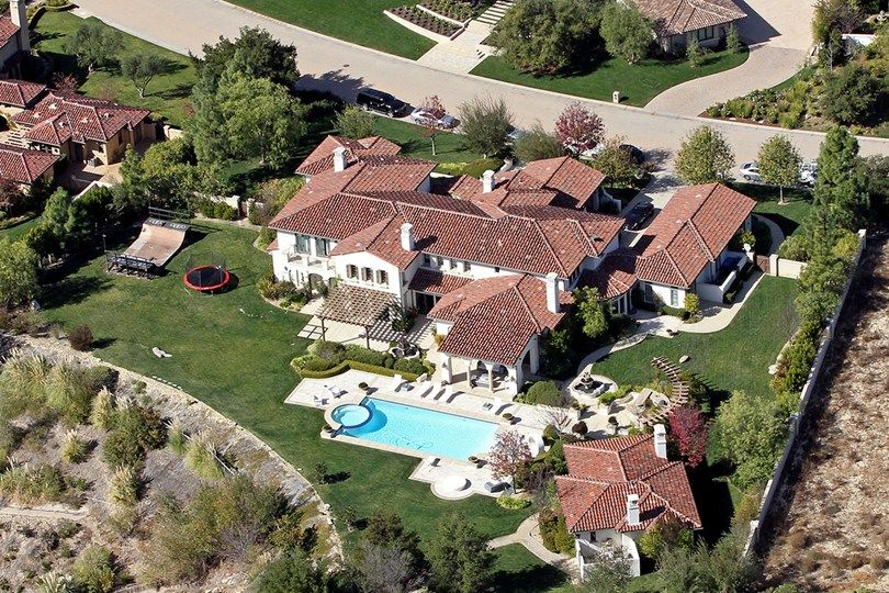 Kourtney kardashian pesquisa google ideas for the for Decoracion casa kim kardashian