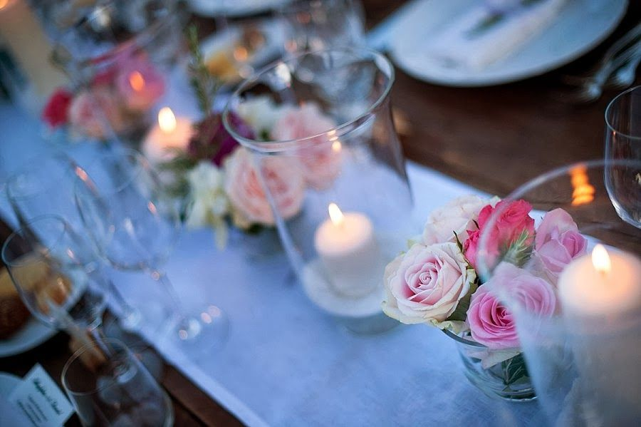 Bride in Italy: Real Wedding | Un banchetto all'aperto con peonie multicolori | WeddingPhotos