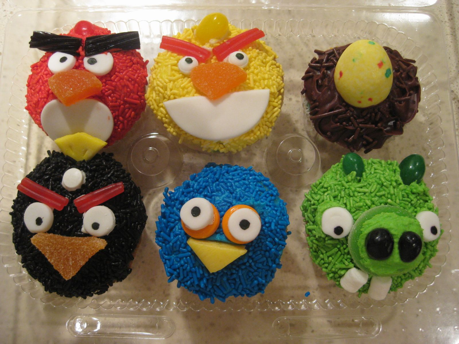 Angry Bird Cupcakes For The School Carnival Cake Walk With