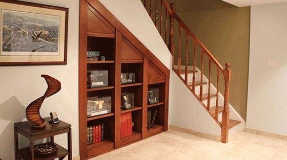 Dise o de habitaciones ocultas ideas para construir en for Escaleras con puertas abajo