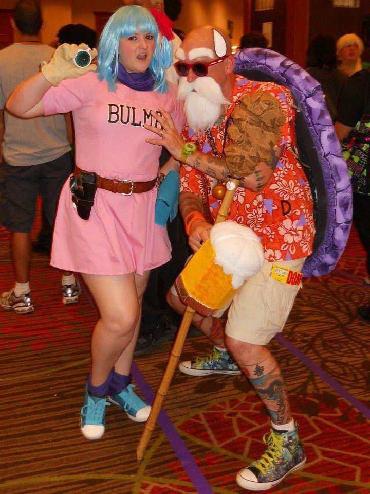 Bulma And Master Roshi Cosplay Couple Halloween Costumes Diy Halloween Costumes Cosplay Costumes