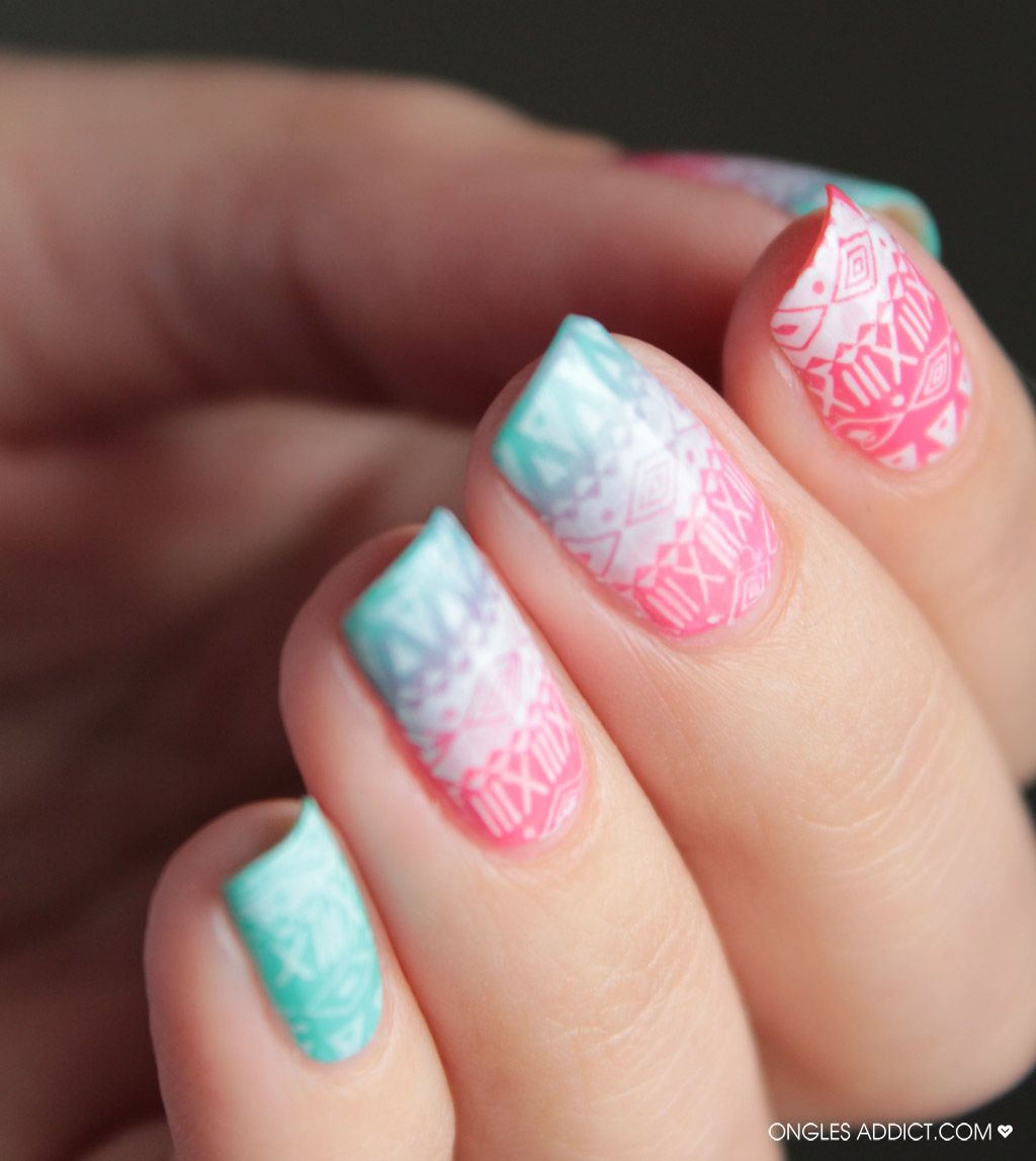 http://www.onglesaddict.com/azteque-nails-nail-art/