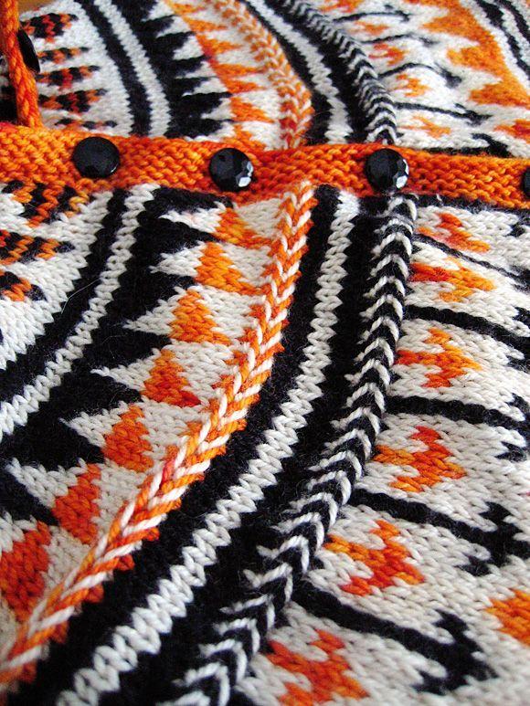 Oranje fair isle cardigan : Knitty Winter 2011.