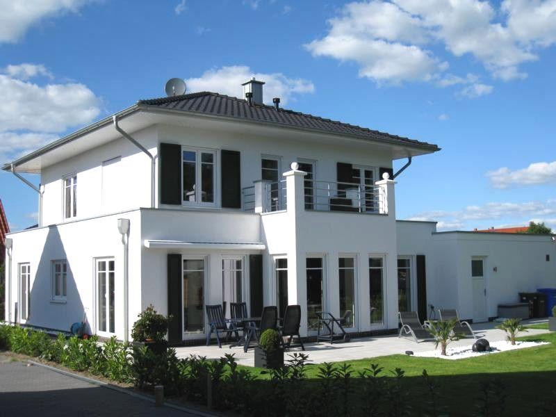 Traumhaus in deutschland  Hausdetailansicht | Häuser | Pinterest | Schmuckstück, Wohnen und ...