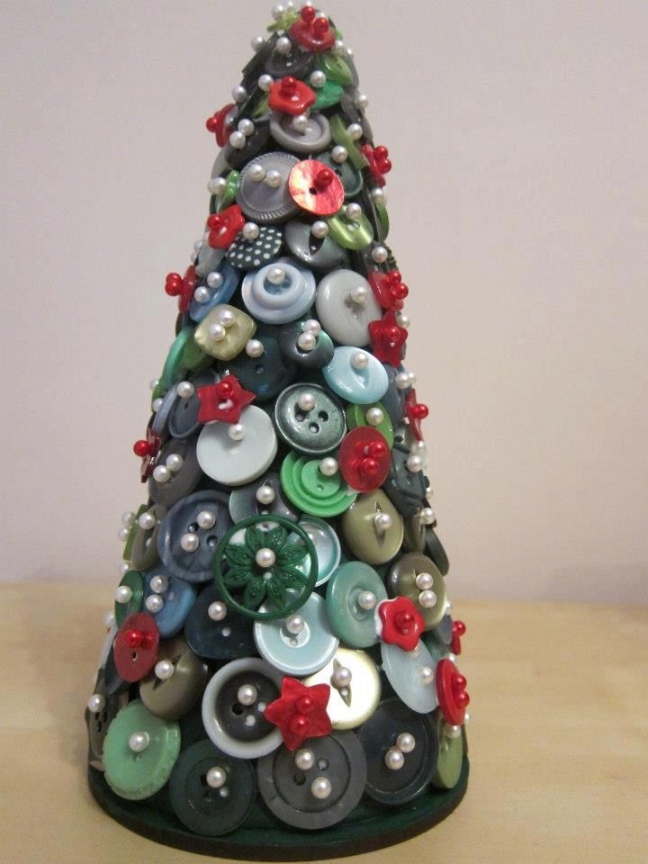 Medium button Christmas tree (22cm), perfect gift or Christmas decoration for your home £14.95 +P Take a look at my Facebook page for more items! Www.facebook.com/adorebuttonbouquets.