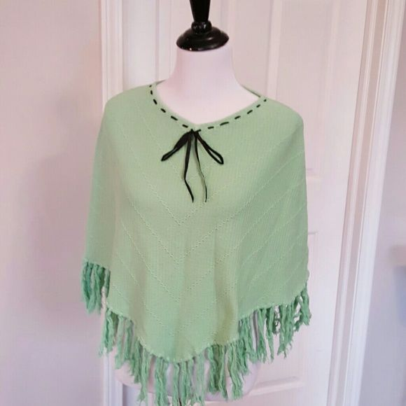 """100% cotton, sweater poncho, mint green Never been worn, 25"""" length boutiqe Tops"""