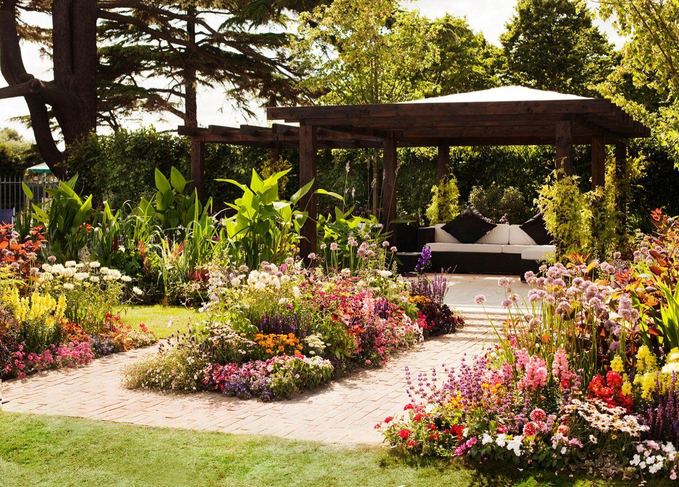 Trendikäs cottage garden