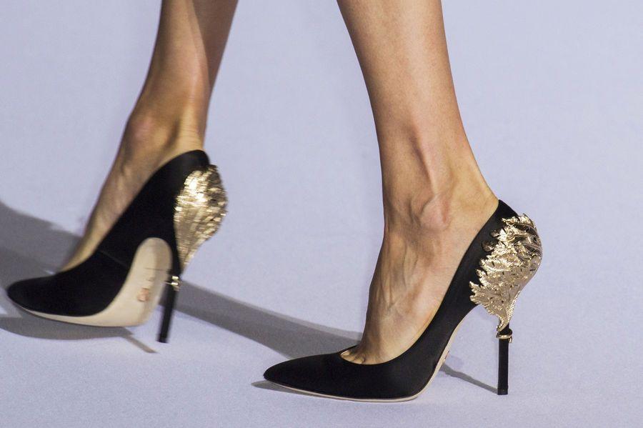 Modne Szpilki Wiosna Lato 2016 Ralph E Russo Fot Imaxtree Jpg 900 599 Ralph And Russo Heels Couture Shoes